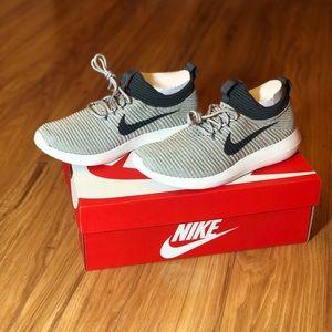 Nike Shoes - NWT Nike Womens Roshe Two Flyknit V2 Pale Grey